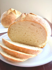 Easy Sourdough Bread (with starter instructions)